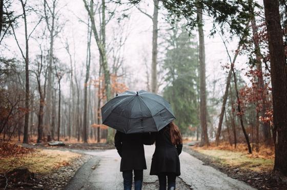 Rainy Morning Engagement Session at Hartwood Acres
