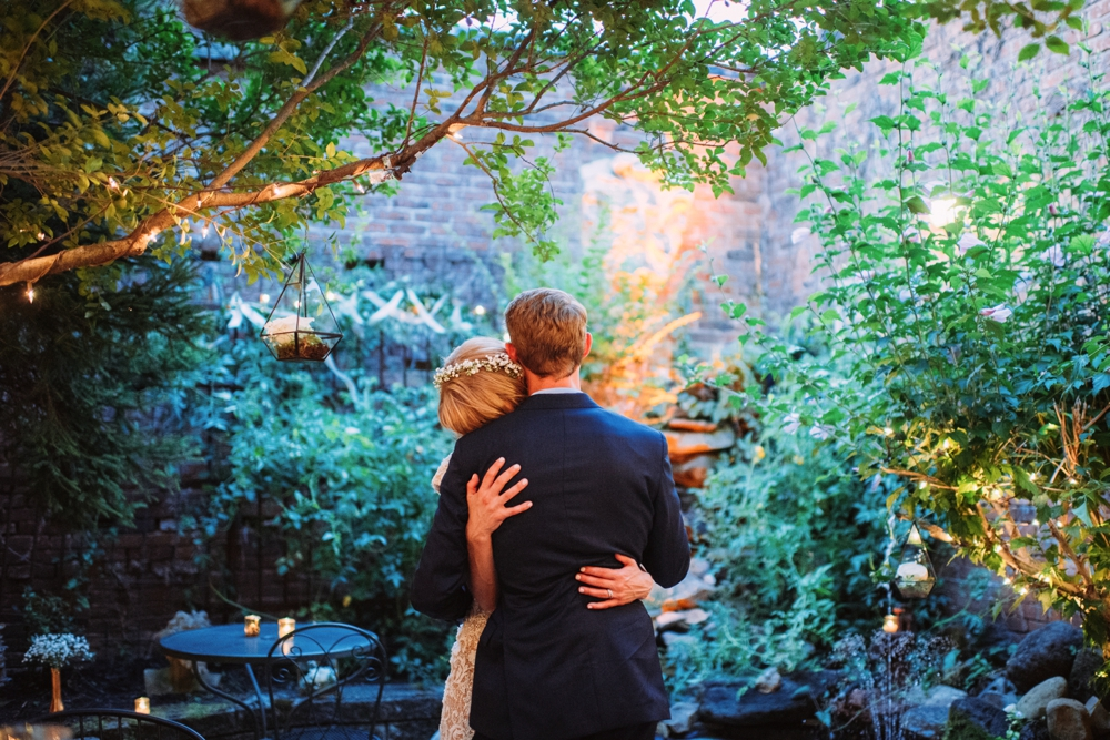 CafeDuJour Pittsburgh Wedding Intimate Photographers